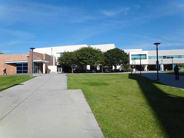 Cal State Fullerton校園_2