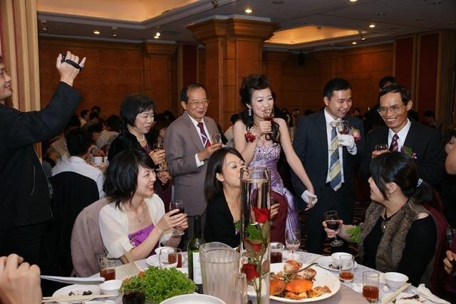 2010年12月4日 台中僑園,雅雯結婚宴客。(1)