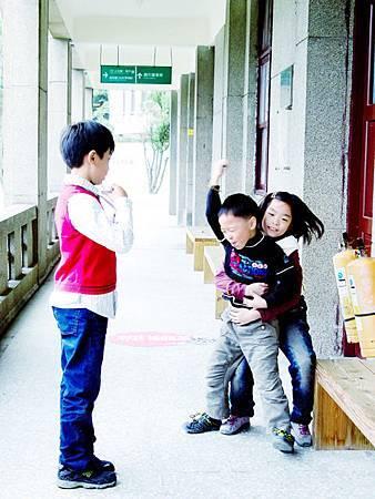 連他們的孩子都受不了這樣的對立與衝突,情緒失控