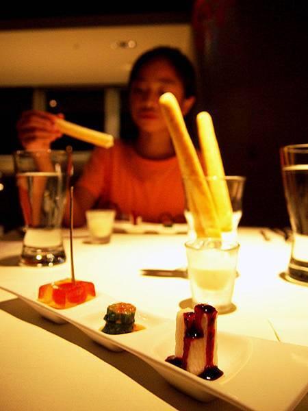 02火柴麵包+前菜