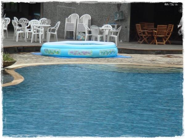 就是這個池,超清澈~.jpg