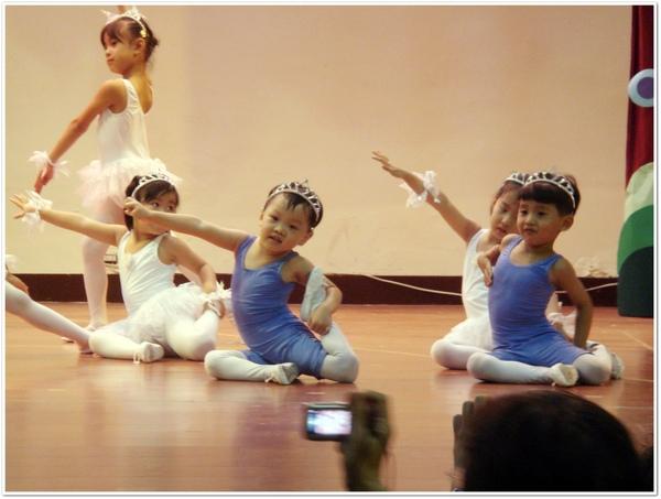 東-芭蕾-1.jpg