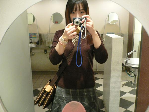 拍廁所xd
