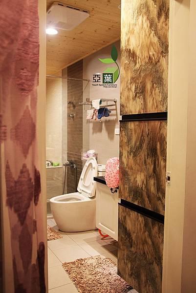 亞葉系統傢俱►台中太平林小姐►浴室