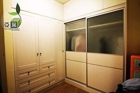 082亞葉系統傢俱►國安張小姐►更衣室推拉