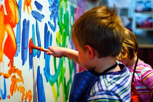 children-painting1.jpg