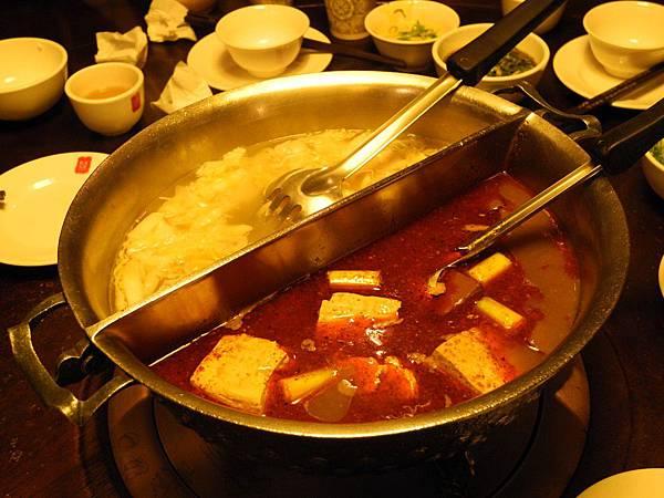 到台中吃鼎王,這是朵爸及朵媽第一次現場吃