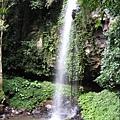 142.waterfall1.JPG