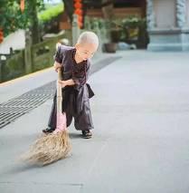 小和尚掃地.jpg