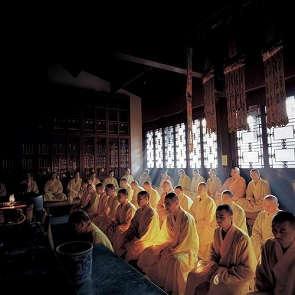 美女與僧人