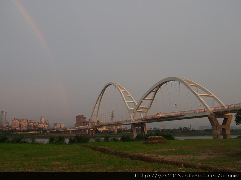 新月橋夜景 (1).JPG