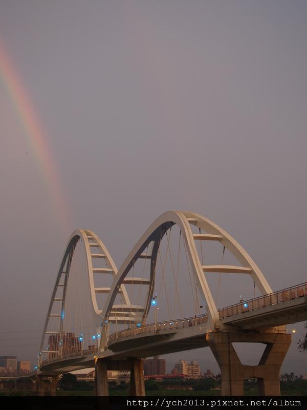 新月橋夜景 (3).JPG