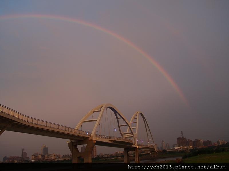 新月橋夜景 (4).JPG