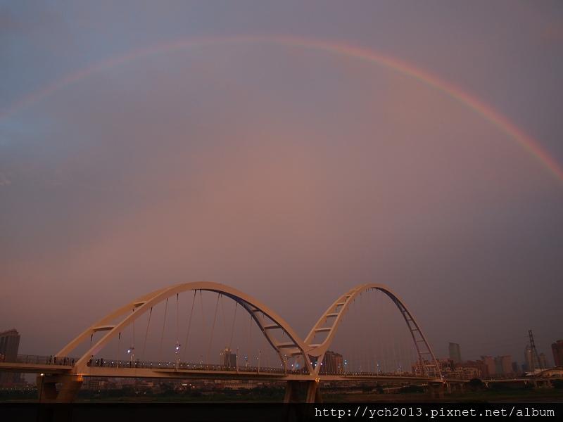 新月橋夜景 (6).JPG