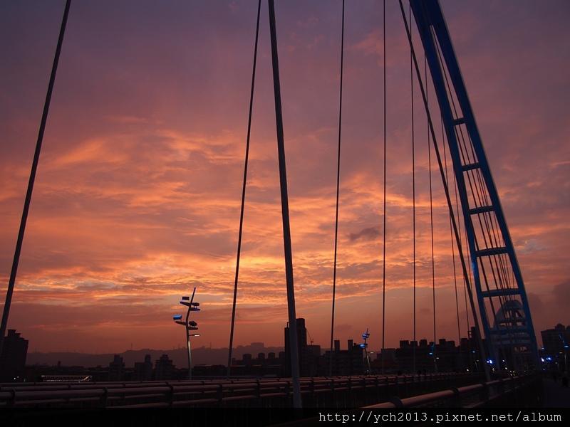 新月橋夜景 (8).JPG