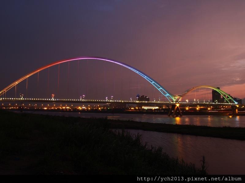 新月橋夜景 (12).JPG