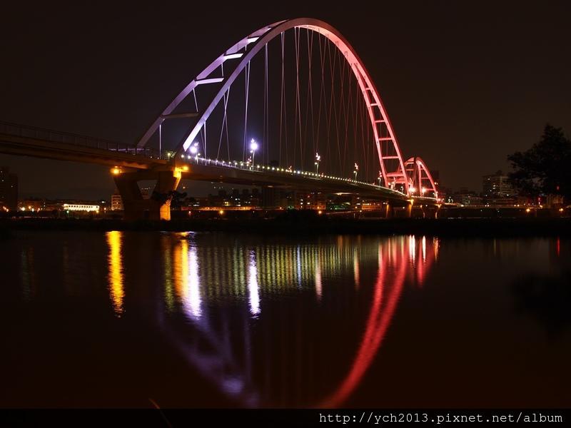 新月橋夜景 (16).JPG