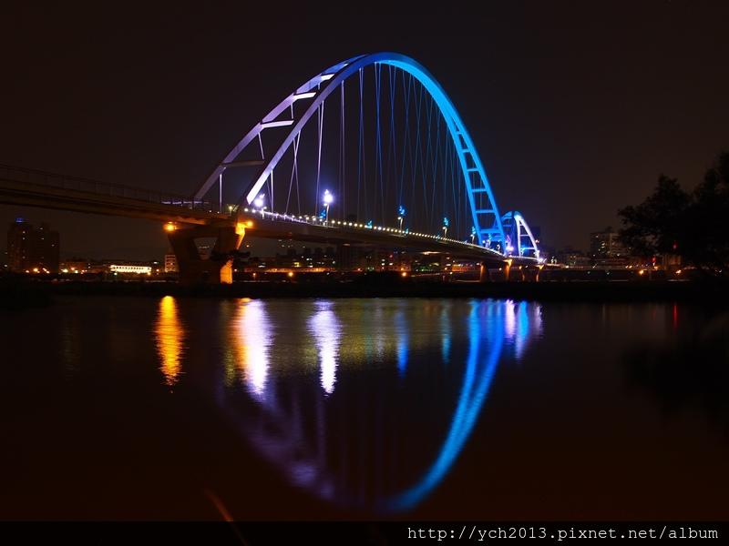 新月橋夜景 (17).JPG