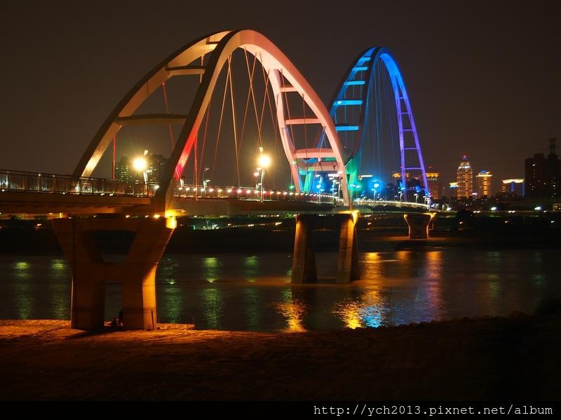 新月橋夜景 (18).JPG