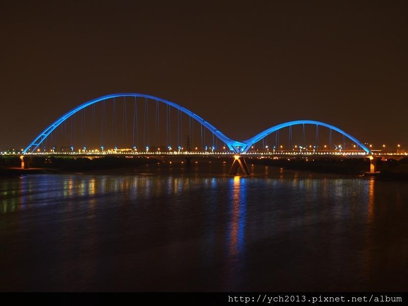 新月橋夜景 (21).JPG