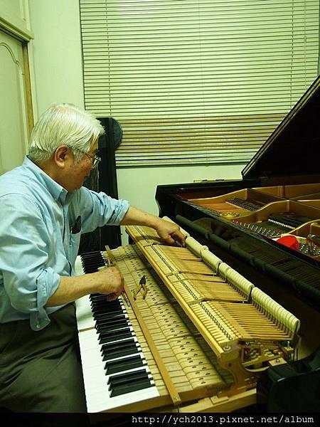 2013鋼琴調音 (2).JPG