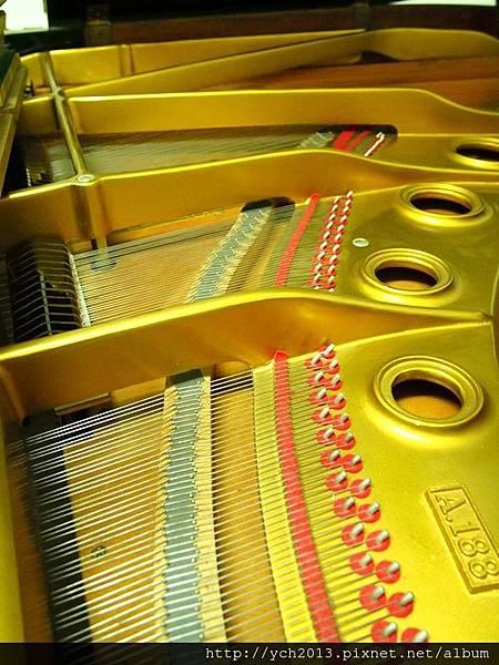 2013鋼琴調音 (7).JPG