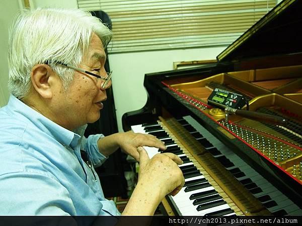 2013鋼琴調音 (19).JPG