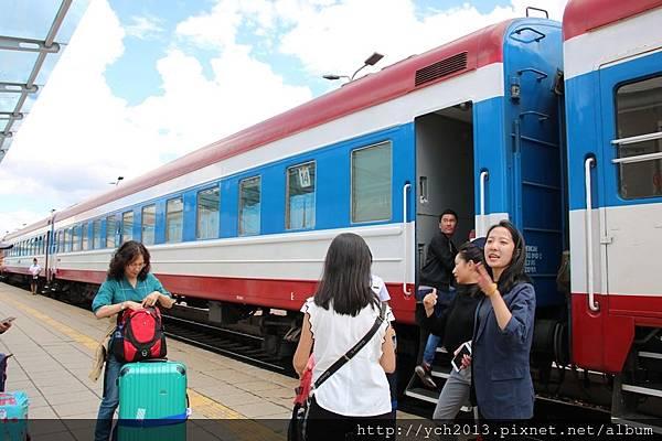 0810 train(3).JPG