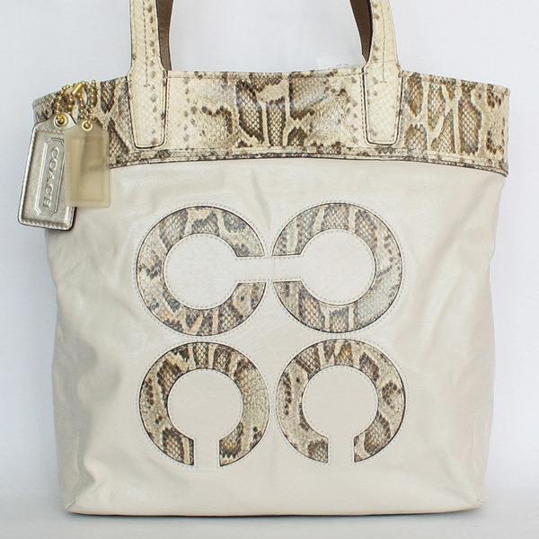 米白色蛇紋飾邊4C Logo肩背手提包.jpg