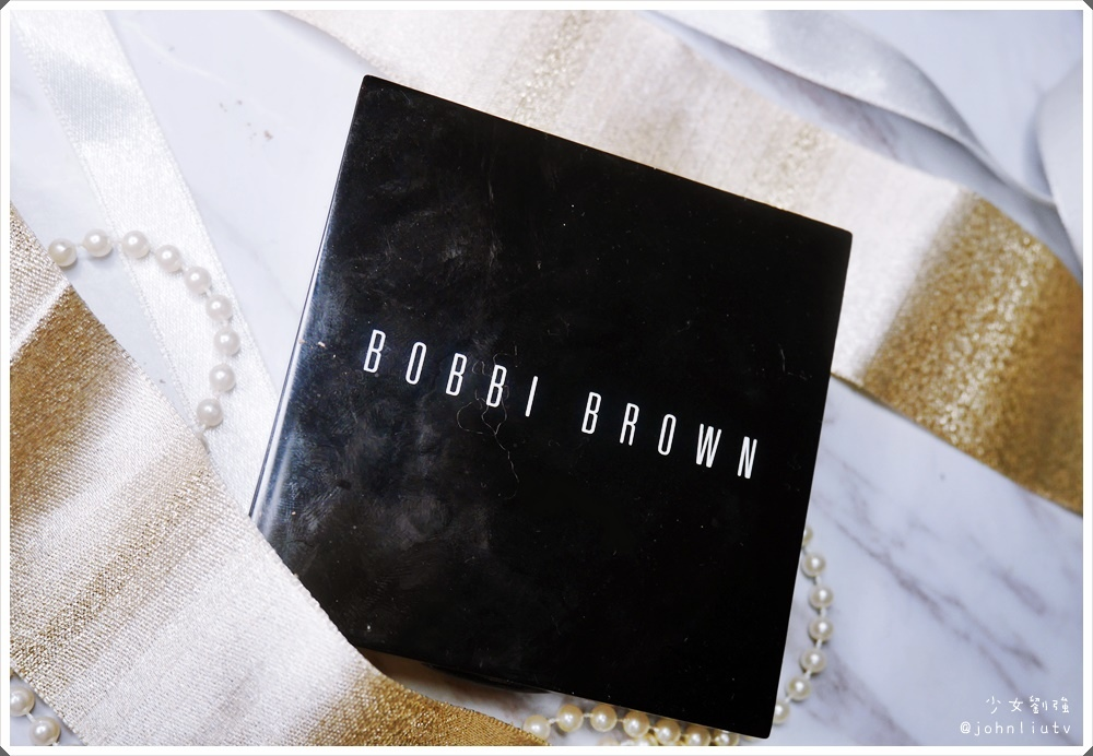 BOBBI BROWN 羽柔蜜粉餅