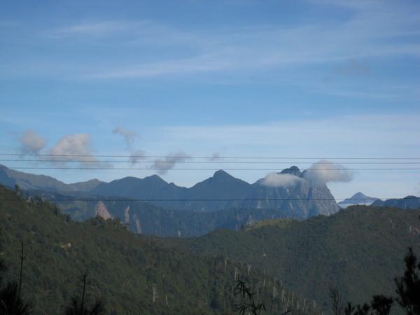 1124由大雪山遠眺鳶嘴山