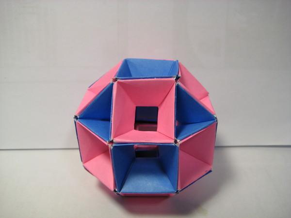 粉紅與深藍(用48張粉紅48張深藍組成)