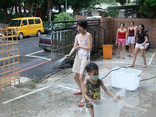 2007 July, 15th‧家中院子