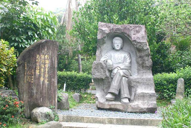 鍾理和紀念館之雕像