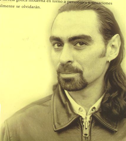 Federico Andahazi - 安達吉(Federico Andahazi, 1963-)阿根廷小說家