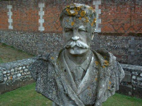 Guy De Maupassant 莫泊桑雕像