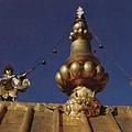 布達拉宮金頂區鎏金寶瓶和共命鳥