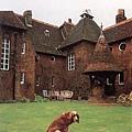 William Morris 莫里斯夫婦在藝術家朋友們協助下所建立的「紅色之家」,在此渡過新婚生活.jpg
