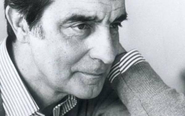 伊塔羅.卡爾維諾(Italo Calvino,1923年10月15日-1985年9月19日)義大利作家。