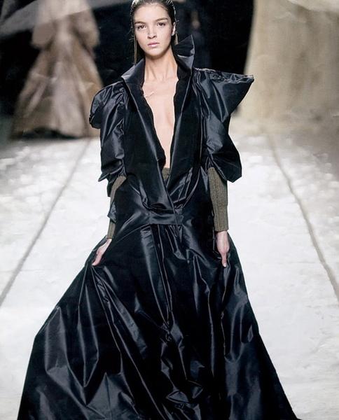 以香雲紗設計的現代服飾