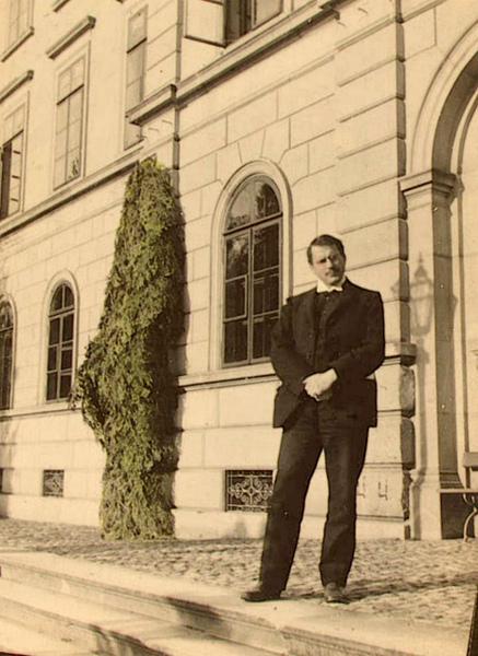 卡爾.古斯塔夫.榮格(Carl Gustav Jung,1875年7月26日—1961年6月6日)