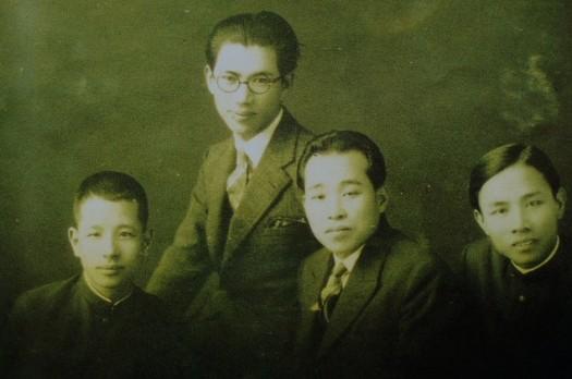 吳新榮與東京舊友合影(左2為吳新榮)