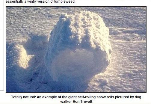 雪卷是嚴寒條件下在開闊地形成的雪的圓柱體(截圖自英國《每日郵報》網站)