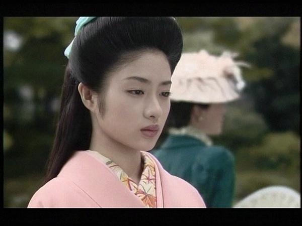 「鹿鳴館」劇照 - 久雄戀人 大德寺顯子(石原里美 飾)