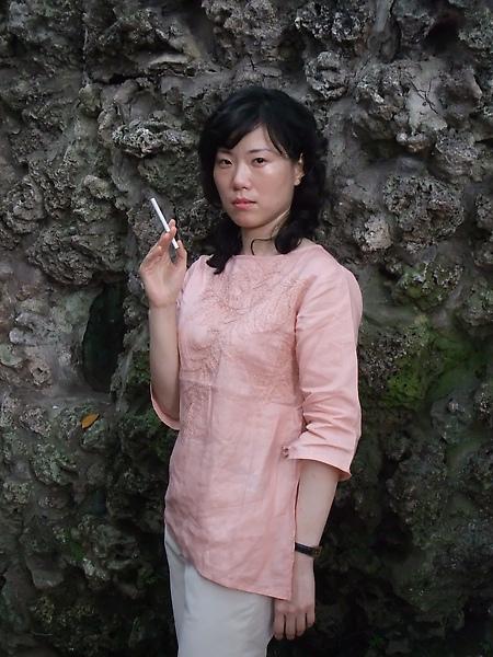 【諜對諜劇照一】上海花張韻(女主角):殺人不見血,手下不留人,想死,儘管放馬過來!