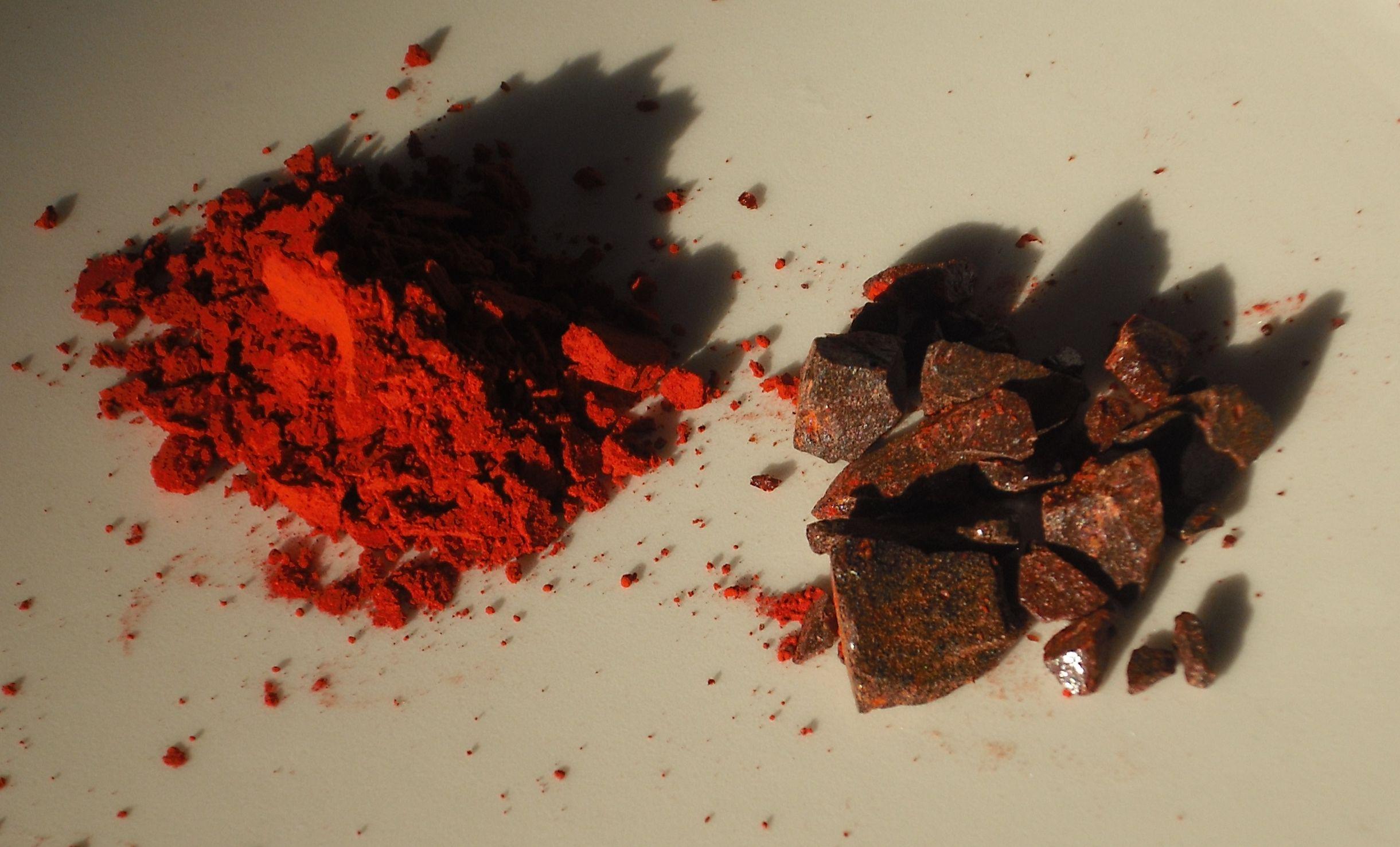 Dragon's blood (Daemomorops draco) 作為粉狀染料及香的血竭。