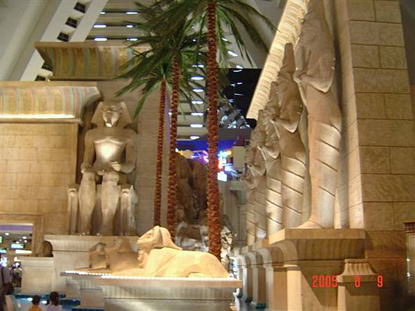 Luxor  5