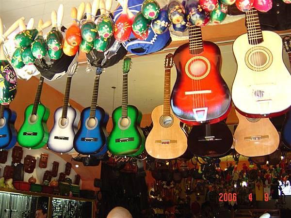 Tijuana商品--木吉他