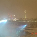 夜訪尼加拉瀑布1.jpg