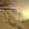 美國的瀑布與加拿大的燈光.jpg